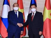 Vietnamese President Nguyen Xuan Phuc meets with Chairman of Lao NA