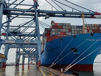 Container cargo via seaports up 18%