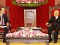 Vietnam treasures cooperative relations with Russia: Party chief