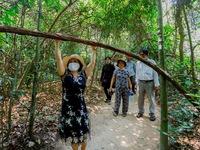 HCMC organizes inter-provincial tours
