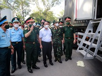 Deputy PM inspects food distribution system in Ho Chi Minh City