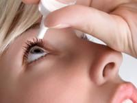 Không điều trị đau mắt đỏ kịp thời sẽ có biến chứng viêm giác mạc