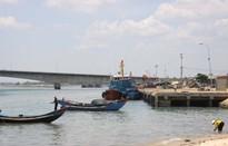 Cảng cá Cửa Tùng bị bồi lấp nghiêm trọng