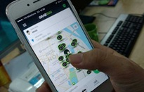 """Grab, Uber và taxi truyền thống: """"Cuộc chiến"""" chưa có hồi kết!"""