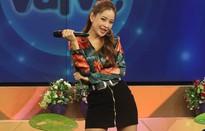 """Chi Pu vừa hát live, vừa """"quẩy"""" tưng bừng """"Từ hôm nay"""" trên sóng truyền hình"""
