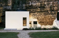 Độc đáo căn nhà hang ở khe núi tại Tây Ban Nha