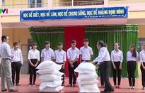 Hỗ trợ hơn 1.000 tấn gạo cho học sinh đặc biệt khó khăn tại Đắk Lắk