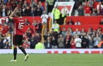 Carrick tái hiện màn ăn mừng của Pogba khi tỏa sáng trong trận đấu vinh danh
