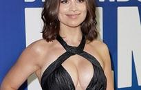 Diễn viên xinh đẹp khoe ngực đầy đặn