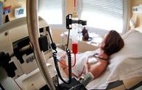 Hóa trị ảnh hưởng đến khả năng sinh sản ở nữ giới