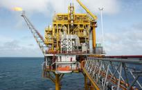 Khai thác dầu thô tiếp tục vượt kế hoạch