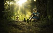 Ngắm các em nhỏ cực đáng yêu giữa khung cảnh giao mùa