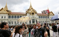 Thái Lan tạm giữ hơn 100 hướng dẫn viên du lịch nước ngoài
