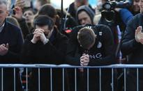 Dàn sao Leicester City bật khóc tức tưởi, tiễn đưa chủ tịch Vichai Srivaddhanaprabha