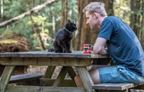 Cảm động câu chuyện về người đàn ông cùng chú mèo chu du khắp Australia