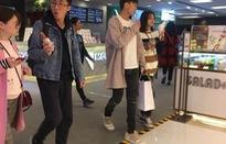 Trịnh Sảng cùng bạn trai thiếu gia công khai dạo phố bên nhau