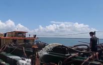 """""""Nóng"""" tình trạng khai thác cát lậu trên vùng biển giáp ranh các tỉnh phía Nam"""