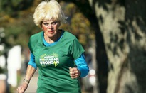 Cụ bà 85 tuổi đam mê mãnh liệt môn marathon