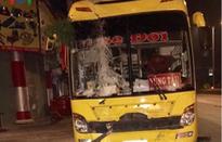 Bà Rịa - Vũng Tàu: Xe khách mất lái lao lên vỉa hè quốc lộ, 3 người thương vong