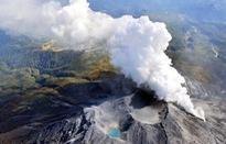 Núi lửa phun trào gây lở tuyết tại Nhật Bản