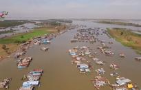 Đón Tết cổ truyền trên Biển Hồ Campuchia