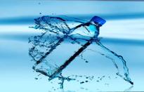 Sẽ lấy mẫu nước uống đóng chai để xét nghiệm