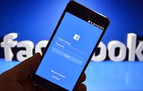 """Facebook trong cơn bão bê bối lộ dữ liệu người dùng, 60 tỷ USD vốn hóa bị """"thổi bay"""""""