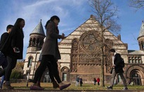 Sinh viên quốc tế giảm mạnh, nhiều trường đại học Mỹ thất thu