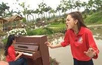 """Mù Tạt - Huyền Trang cùng chị gái tham gia """"Chúng ta là một gia đình"""""""