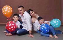 MC Hoàng Linh khoe bộ ảnh gia đình cực đáng yêu