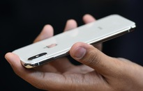 """iPhone X bị hạ """"đo ván"""" tại thị trường Mỹ"""