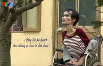 """""""Hiệp sỹ tình nguyện"""" sở hữu đôi chân khuyết tật"""