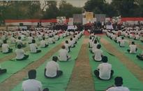 Ấn Độ tổ chức dạy Yoga tập thể cho các tù nhân
