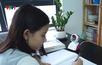 Captain Eye - Robot chống cận thị và gù lưng cho trẻ em