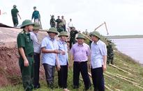 Kiểm tra đê xung yếu tại Nam Định và Thái Bình