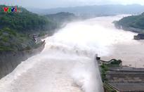 Sẽ đóng 1 trong 4 cửa xả hồ thủy điện Hòa Bình