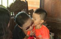 Danh ca Khánh Ly từ Mỹ trở về Việt Nam kịp thời giúp đỡ bệnh nhi tim bẩm sinh