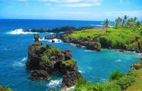 Lạc lối trong 8 hang động biển đẹp nhất thế giới