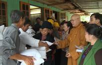 Trung ương Giáo hội Phật giáo Việt Nam ủng hộ, giúp đỡ đồng bào vùng lũ tỉnh Yên Bái