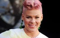 Nhập viện do viêm dạ dày, Pink tiếp tục hủy diễn
