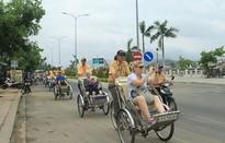 Nha Trang tập huấn kỹ năng cho lái xe taxi và người đạp xích lô