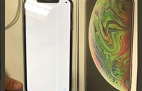 iPhone XS Max vừa mở bán đã bị lỗi màn hình kẻ sọc