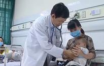 Hàng loạt trẻ nhập viện vì mắc cúm mùa