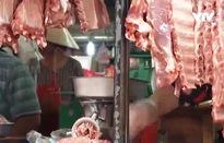 Gà ta, thịt lợn hơi tăng giá mạnh dịp cận Tết