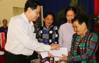 Chủ tịch MTTQ Việt Nam tặng quà Tết cho hộ nghèo, gia đình chính sách tỉnh An Giang