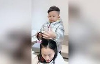 """Cậu bé 6 tuổi gây bão mạng vì tạo mẫu tóc """"siêu ngầu"""""""
