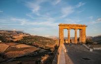 Mua nhà với giá chỉ… 1 USD ở thị trấn đẹp như tranh vẽ tại Sicilia