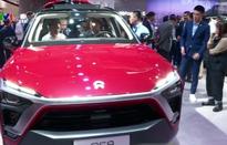 Doanh số bán ô tô tại Trung Quốc giảm mạnh