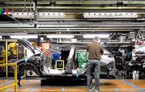 Tổng thống Mỹ đe dọa áp thuế đối với ô tô nhập từ châu Âu
