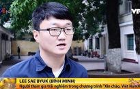 Người nước ngoài trải nghiệm Tết tại Việt Nam